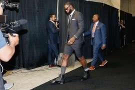 lebron suit, lebron james, lebron short suits, short suit